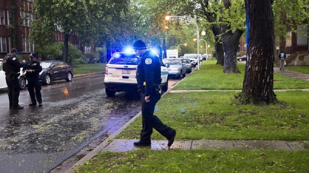 Chicago Police work the scene of a shooting in the Park Manor neighborhood on April 30, 2017. (Photo: Chicago Tribune)