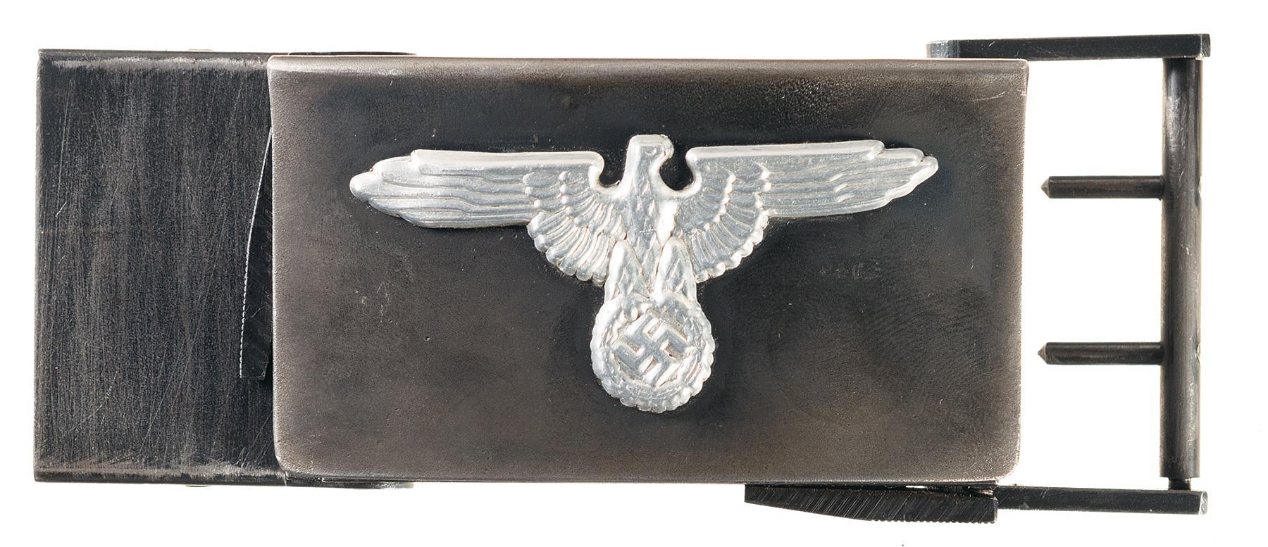 The Koppelschloßpistole (Belt Castle Gun) looks like any old 'Nassi belt buckle on the outside (Photos: RIA)