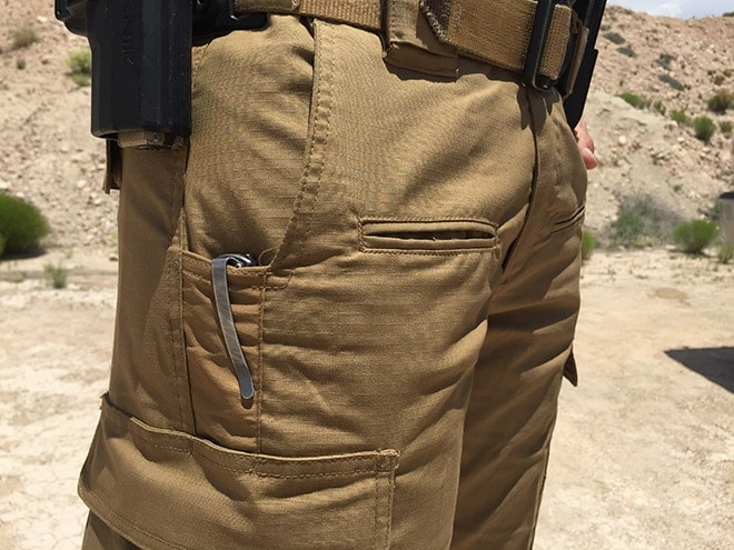 The_horizontal_notch_on_the_slash_pockets_is_great_for_keeping_a_light_or_blade_handy.