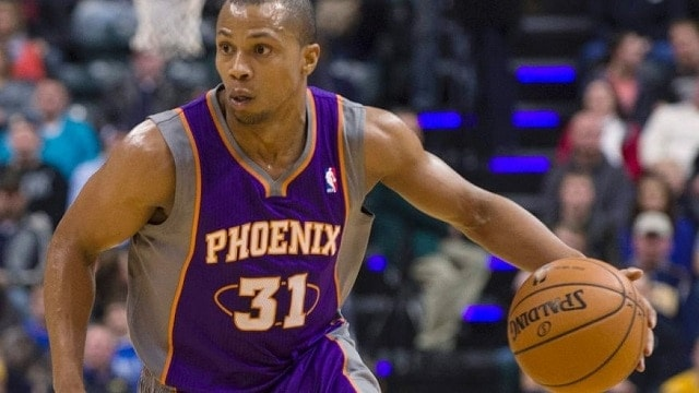 The Phoenix Suns' Sebastian Telfair dribbles against the Indiana Pacers in December 2012. (Photo: AP)