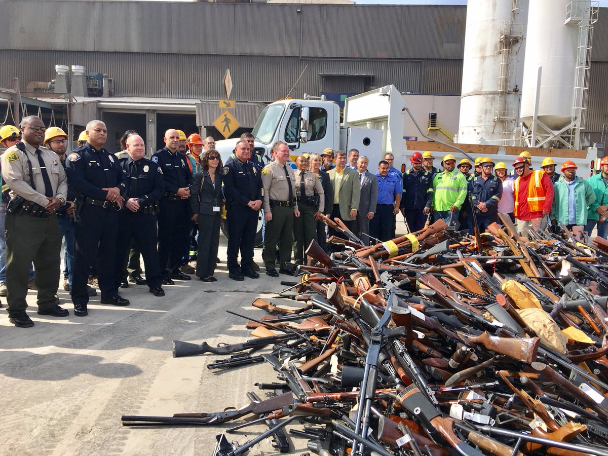 LA County melted down 4,971 guns into rebar this week (VIDEO) (6)
