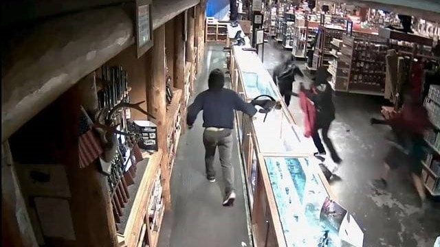 Surveillance cameras captured thieves stealing firearms at a Bass Pro Shops in Dania Beach, Florida. (Photo: Miami Herald/Broward County Sheriff's Office)