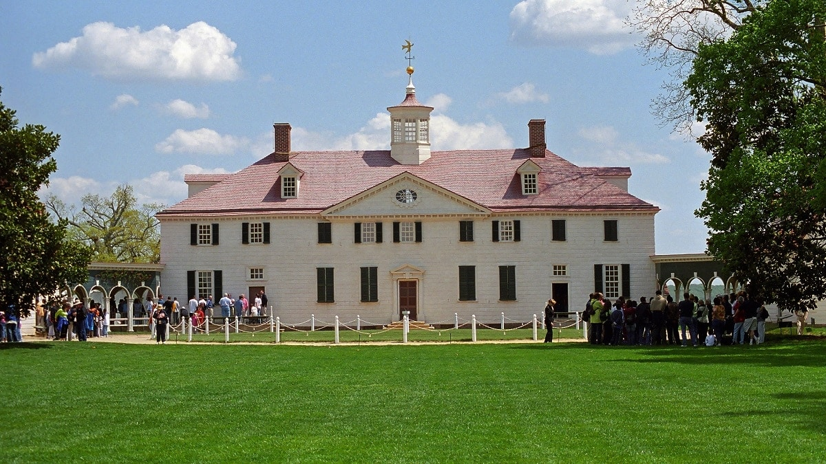 George Washington's Mount Vernon. (Photo: World Strides)