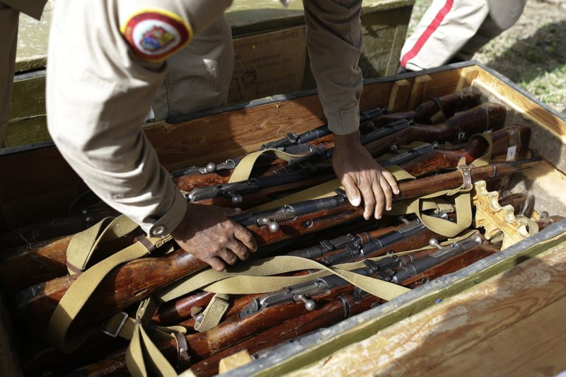 In Venezuela, Maduro puts Mosins on parade in show of force (PHOTOS) 3