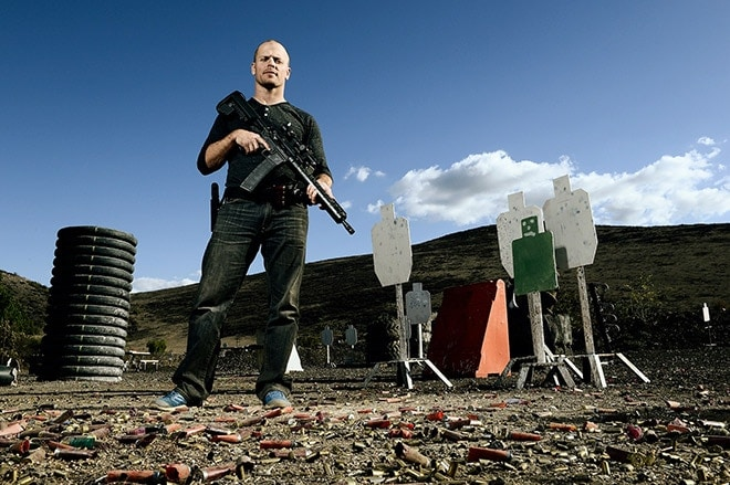 Tim_Ferris_tactical_shooting_practice._From_TheBlaze