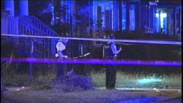 Chicago police investigate a triple homicide in the south side Roseland neighborhood on Saturday, Sept. 9. (Photo: ABC 7 News)