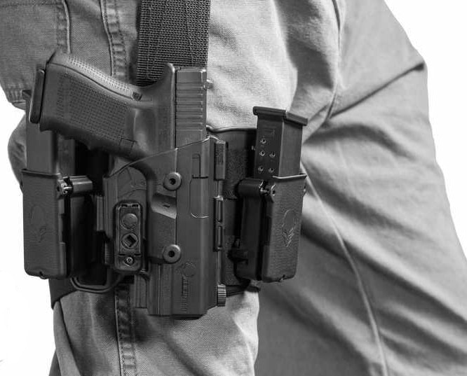 The holster can be outfitted with mag carriers. (Photo: Alien Gear)