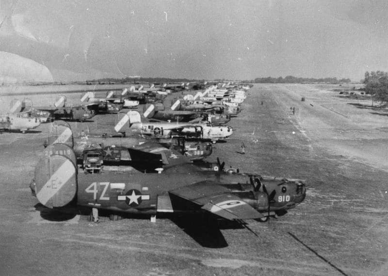 "B-24 Liberators of the 467th Bomb Group, the ""Rackheath Aggies,"" lined up at Rackheath (Photo: American Air Museum)"