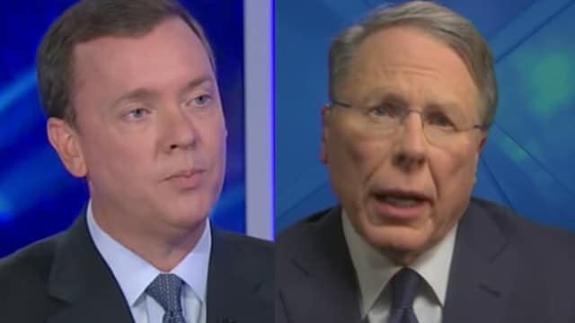 NRA's chief lobbyist Chris Cox, left, appearing on Tucker Carlson's show, and CEO Wayne LaPierre on Sean Hannity's show. (Photo: Fox News/Youtube)