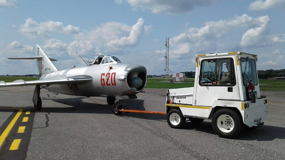 Pre-owned MiG fighter for sale, make offer (PHOTOS) 2