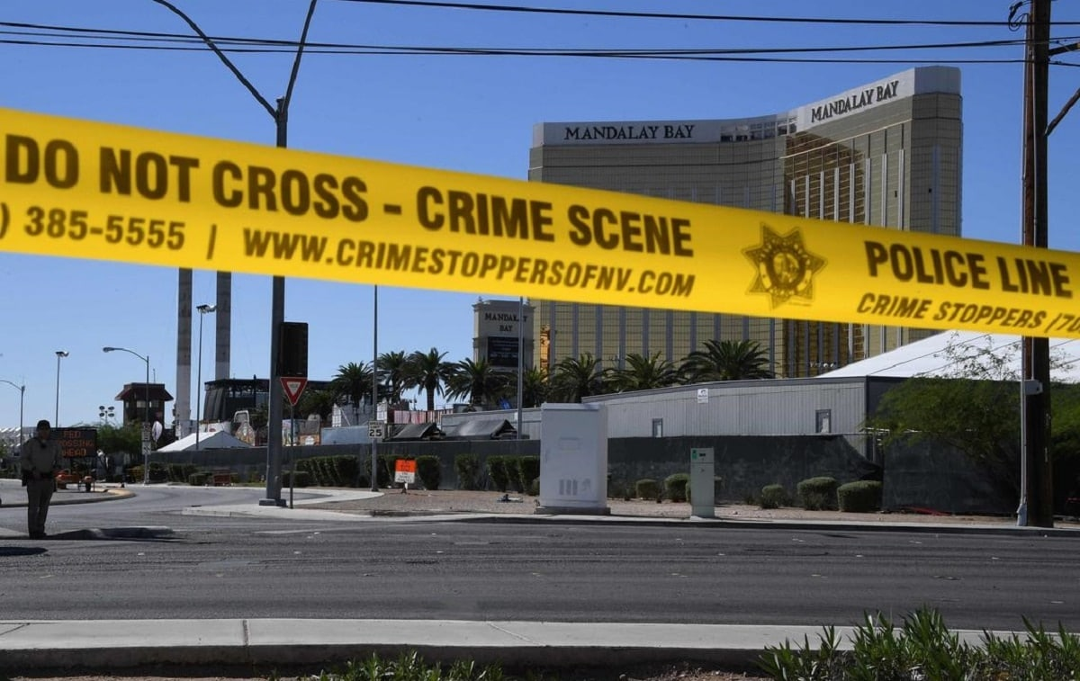 A view of the crime scene near the Mandalay Bay casino in Las Vegas. (Photo: Mark Ralston/AFP)