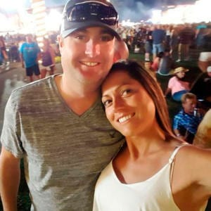 Chad and Jennifer Robertson snapped a selfie at the Route 91 Harvest Festival in Las Vegas on Oct. 1, just 30 minutes before the shooting started. (Photo: Jennifer Robertson/Farmington Daily Times)