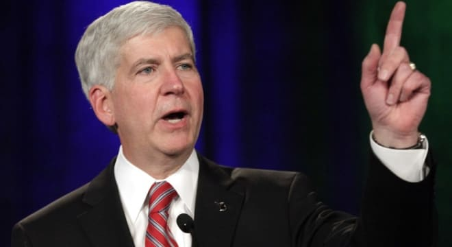 Michigan Gov. Snyder talks veto on gun reform bills