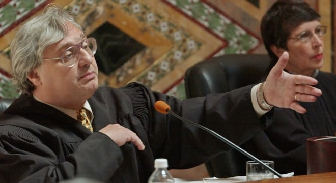 Judge Alex Kozinski of the U.S. Court of Appeals for the 9th Circuit, pictured in 2003. (Photo: Paul Sakuma/AP)