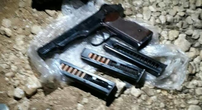 Among the items reportedly recovered from the downed pilot was a 9x18mm Stechkin APS pistol with three partally loaded mags, one of which appears completely empty. (Photo: CIT)