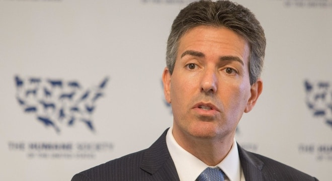 Then-Humane Society CEO Wayne Pacelle speaks in 2015. (Photo: Jeff Lewis/The Humane Society of the United States