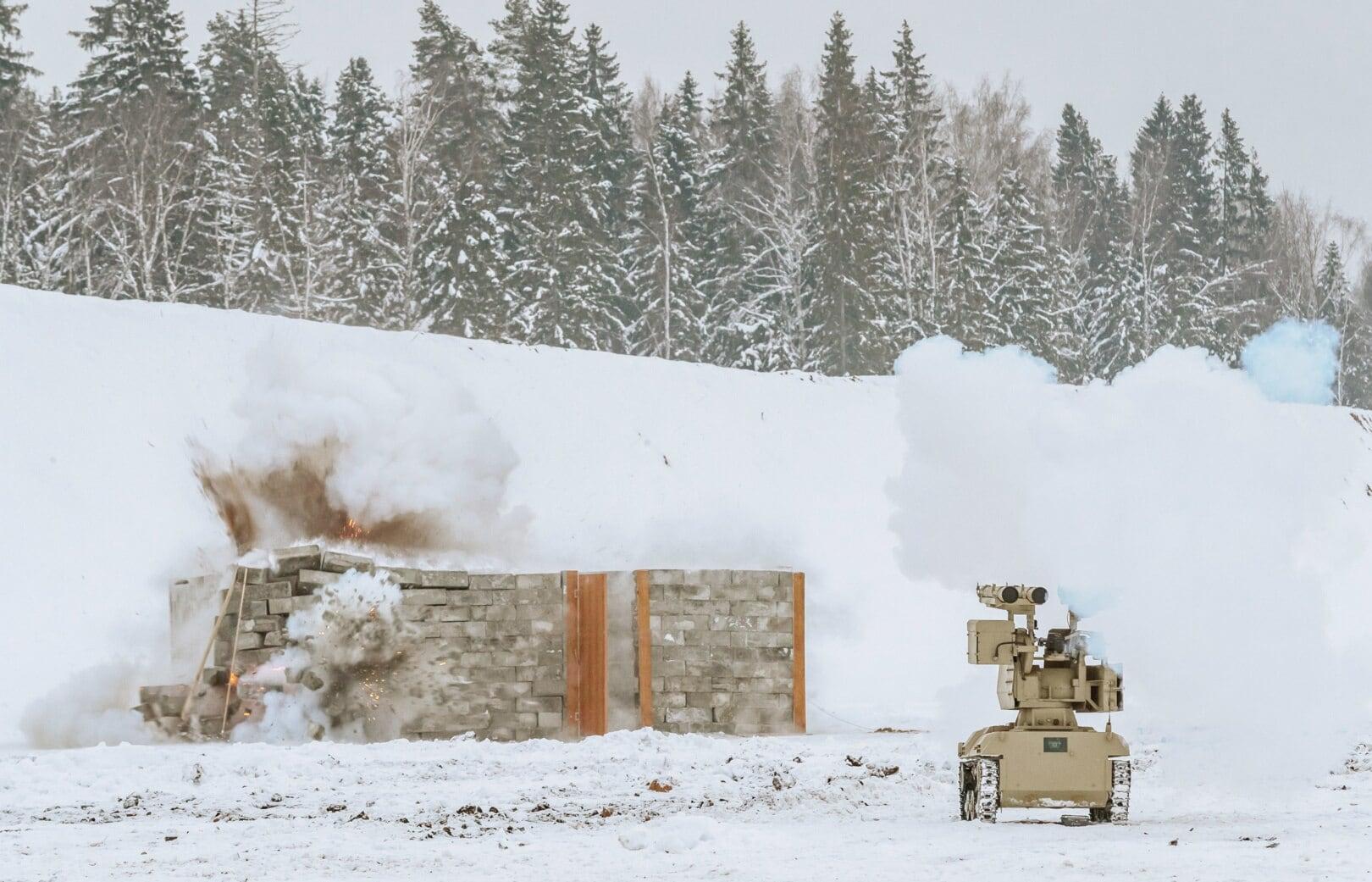 Kalashnikov shows off new remote control fighting vehicles, smart gun mounts (VIDEO)