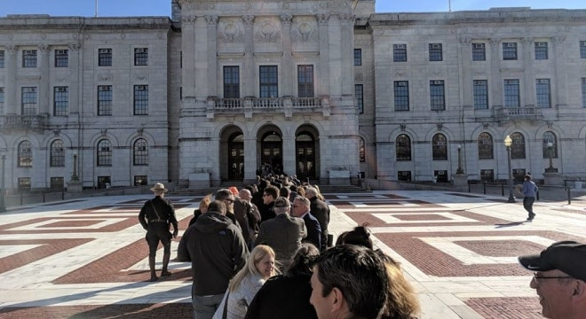 Crowds, estimated by state police to be over 800-strong, crowded the Rhode Island State House this week to talk to legislators about gun control bills. (Photo: RI Gun Blog) https://www.facebook.com/RIGunBlog/photos/a.664768080200198.1073741831.565483950128612/1932901866720140/?type=3&theater