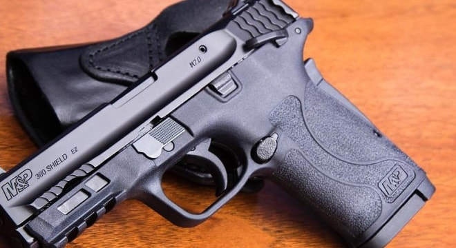The advisory targets M&P 380 Shield EZ models with manual thumb safeties (Photo: S&W)