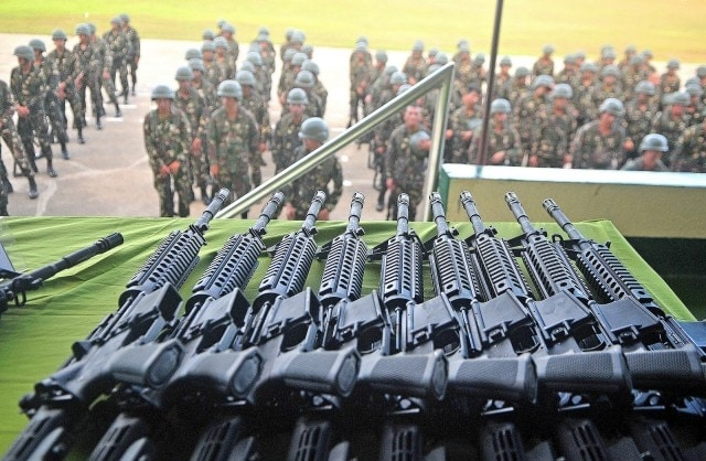 Phillipine soldiers recieve new Remington R4 rifles during a ceremony in Camp Evangelista, Cagayan de Oro City Tuesday, January 26, 2016. (Photo: Froilan Gallardo/MindaNews)