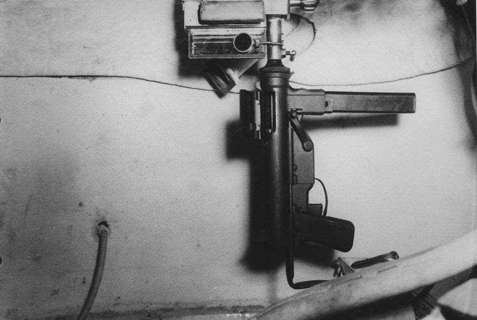 The U.S. Krummlauf prototype used the M3 Grease Gun and a periscope to hose off bad guys who got bad breath close. (Photo: Friends of the Tank Museum)