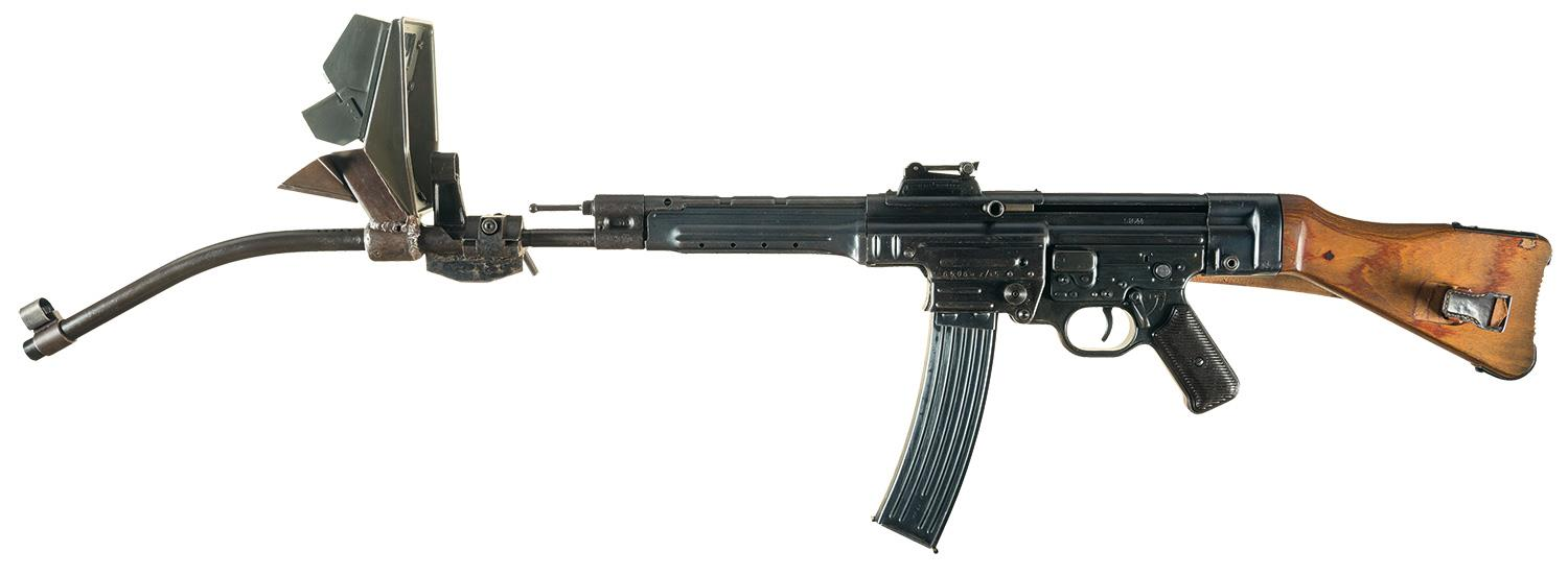 The Krummlauf'd German StG44 (Photo: RIAC)