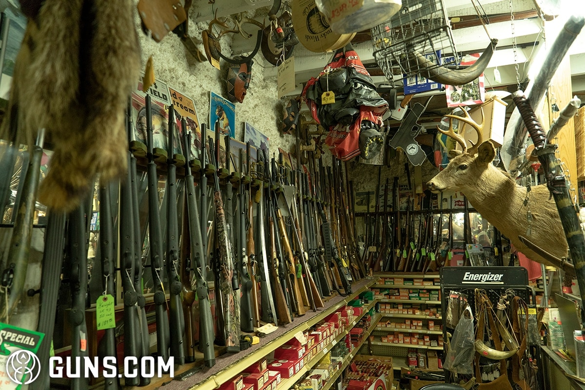 One of the most unique gun shops in America (VIDEO + 37 PICS)