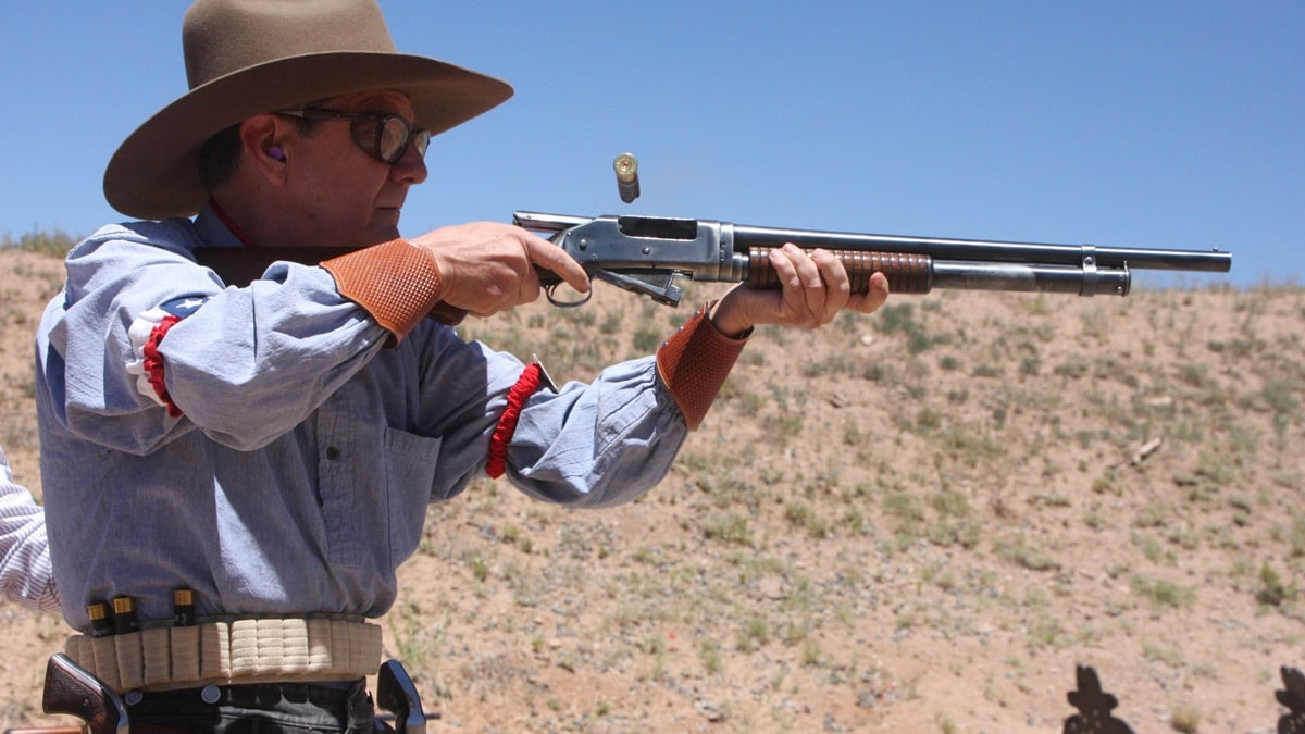 See what this cowboy shooter uses for EDC (VIDEO)