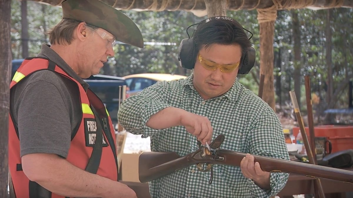 Setting off a flintlock musket at Colonial Williamsburg (VIDEOS)