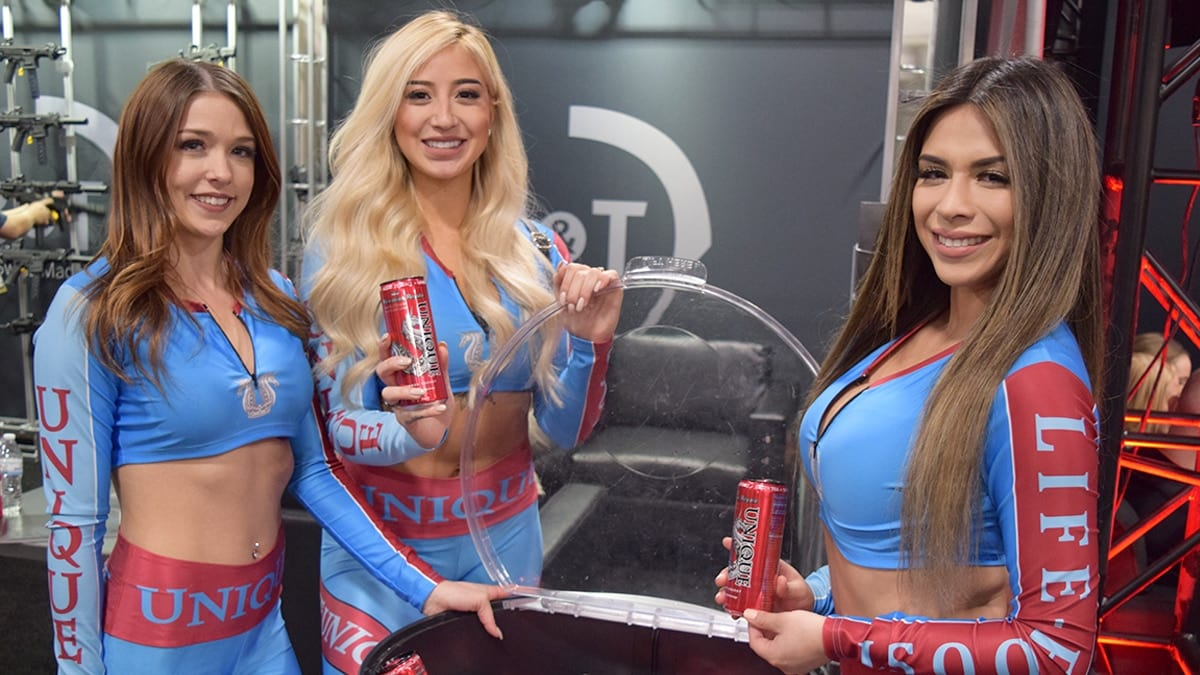 Booth Babes at SHOT Show 2019 Day 1 (10 PICS)