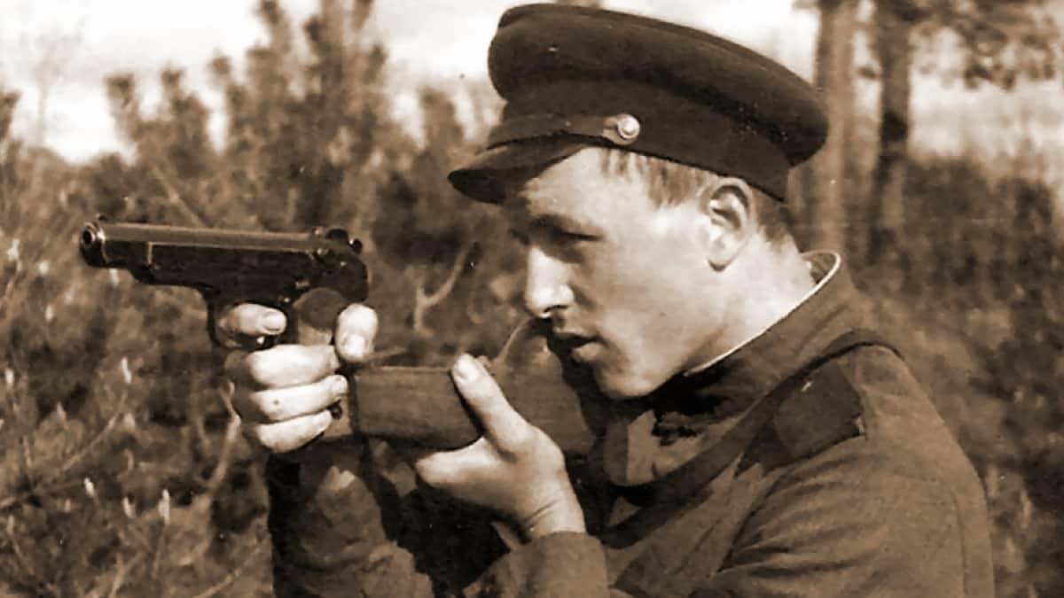 Stechkin: Strange Soviet machine pistol fun (VIDEOS)