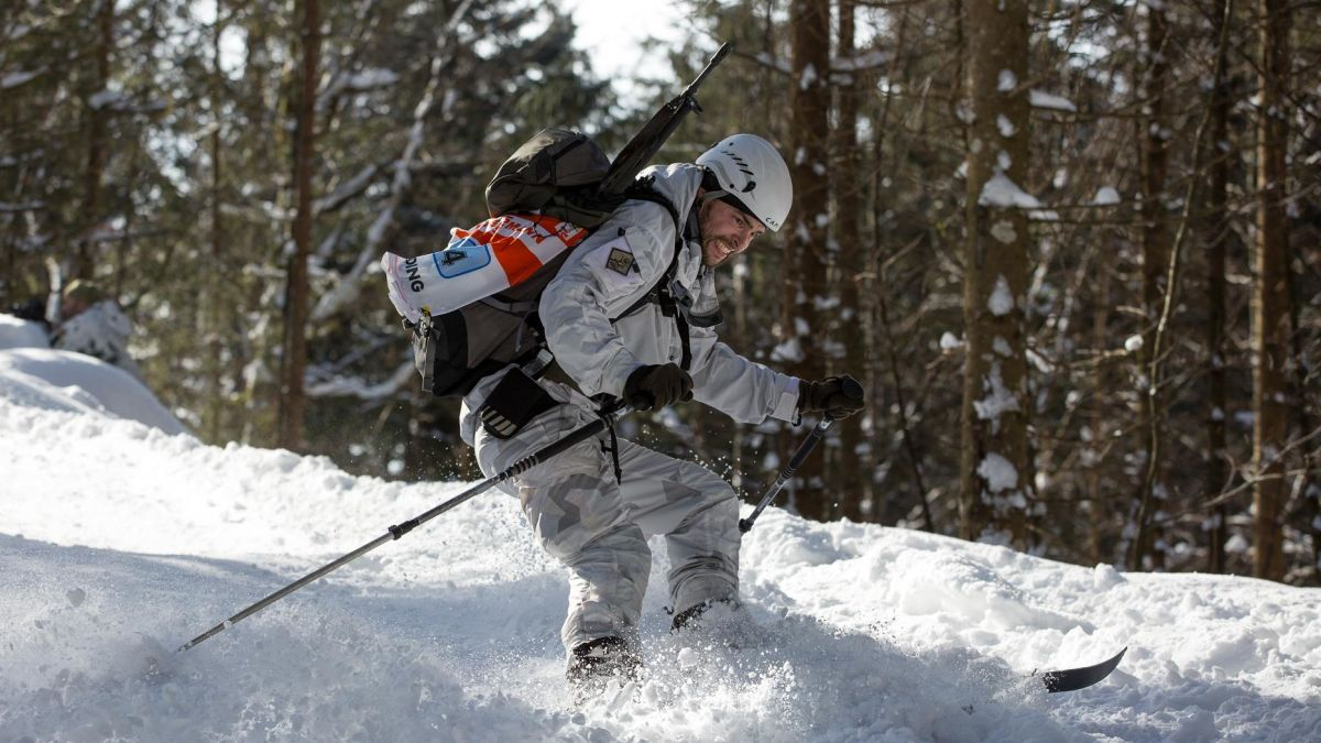 In Germany, military ski races include grenades and HKs (PHOTOS)