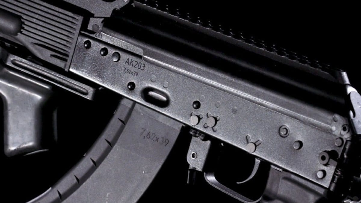 India and Kalashnikov ink deal to make 700K AKs in the country (VIDEO)