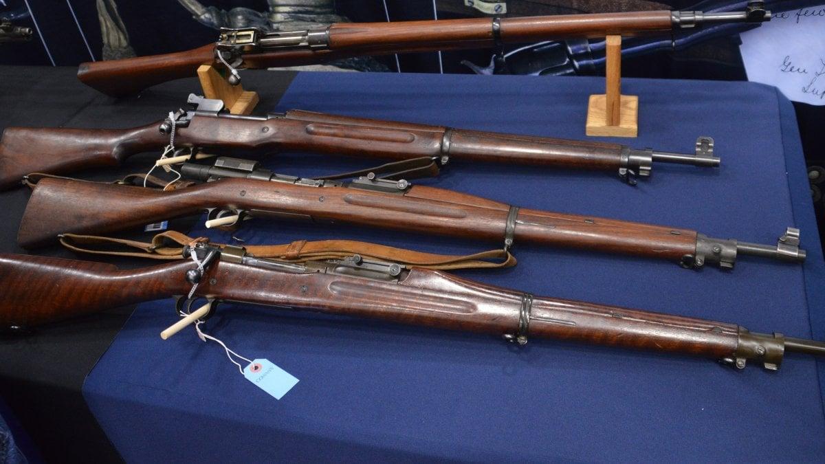 M1903, Pedersen device, M1917 rfiles on table