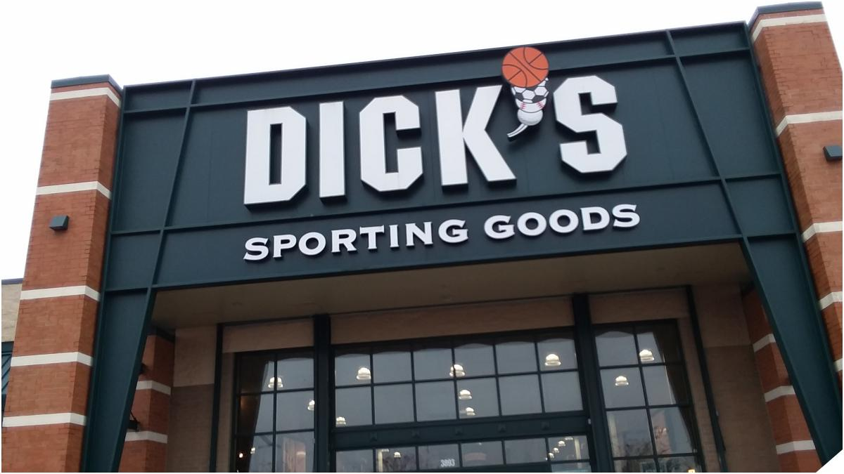 Dick's Sporting Goods storefront
