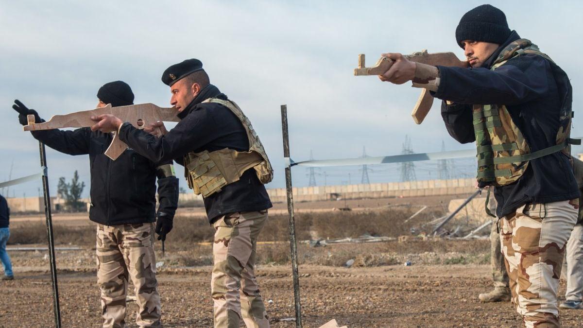 The most splinter-prone dummy AK47s imaginable (PHOTOS)