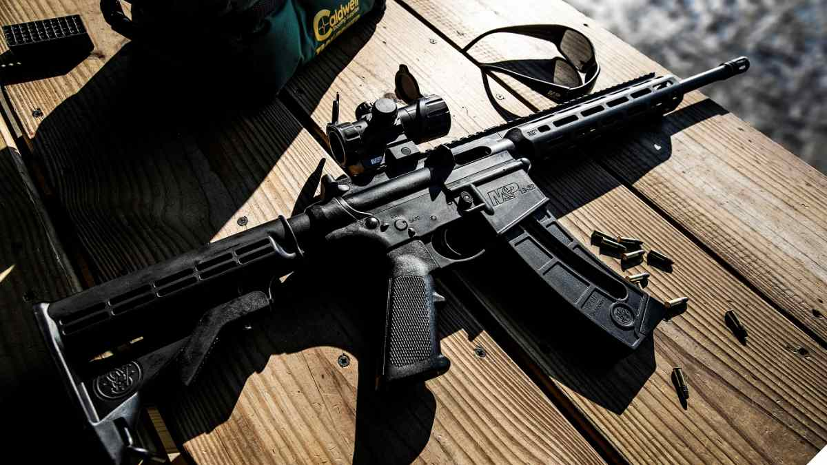 M&P15-22 with M-100 optic on table