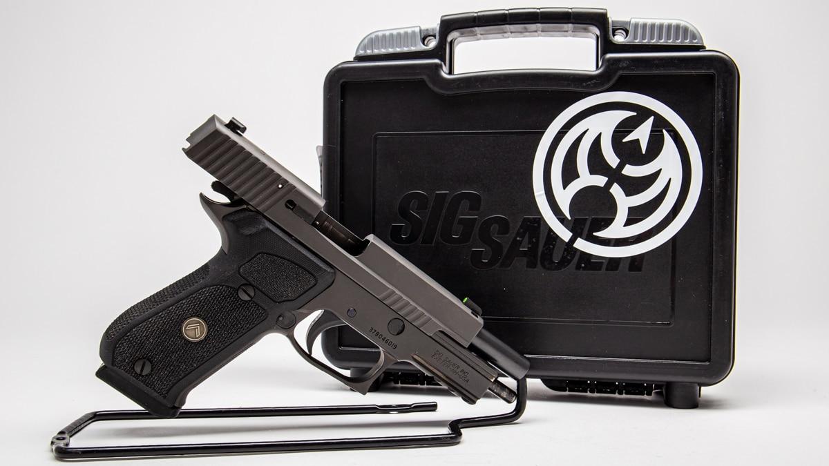 Sig P220 GunscomVault (2)