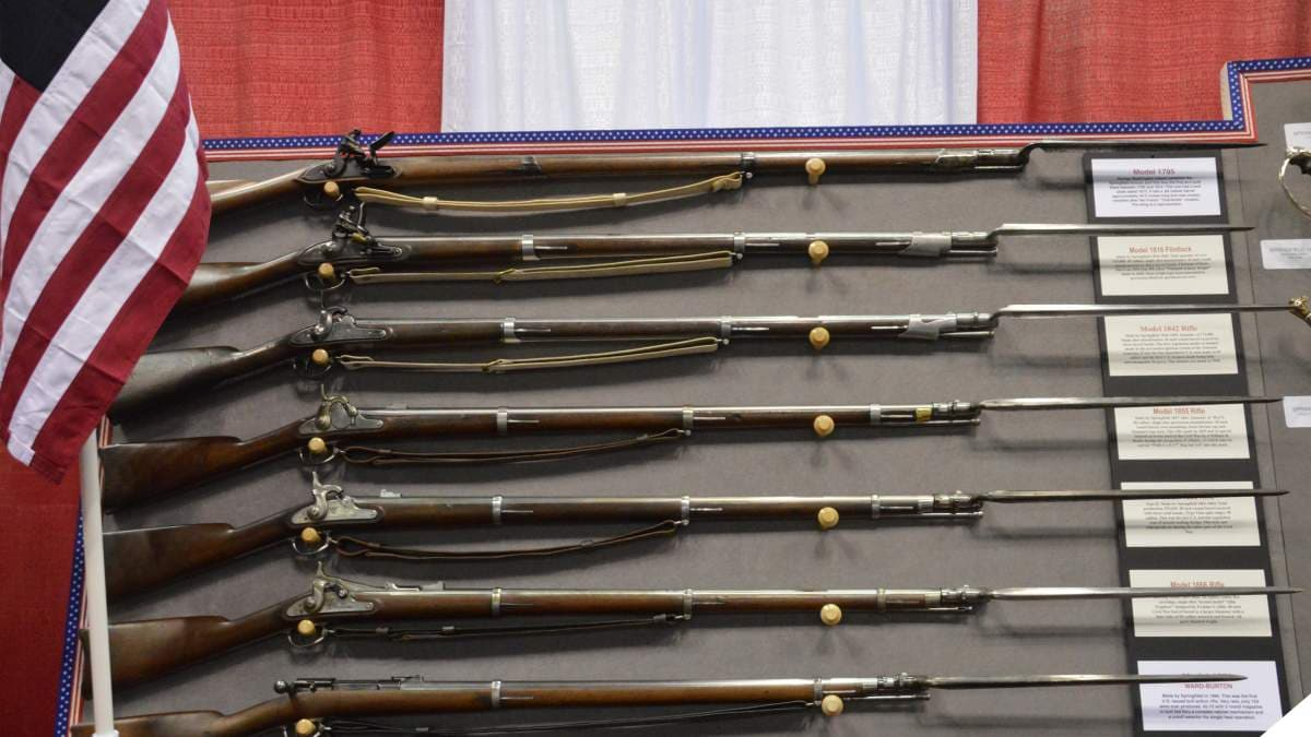 A rack of Springfield muskets and rifles
