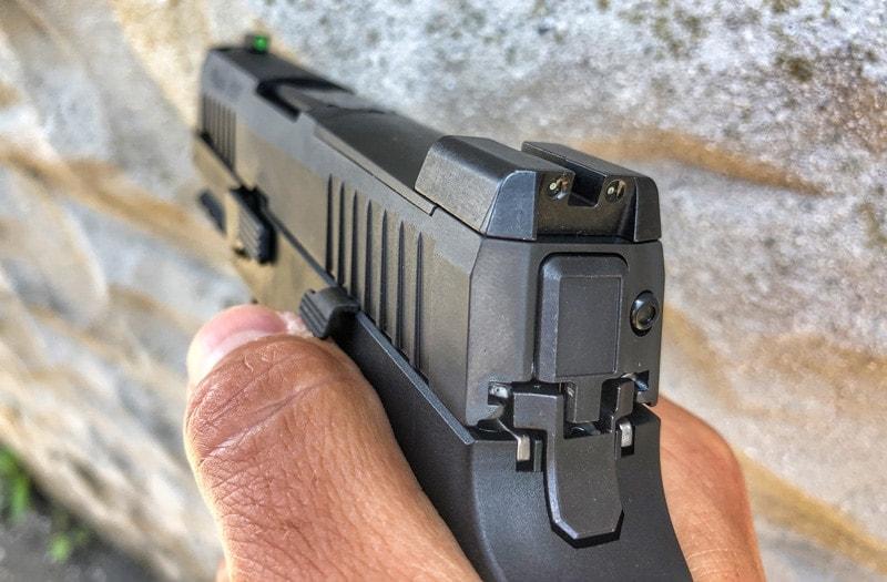 Gun Review: Sig Sauer P320 X-Compact :: Guns com