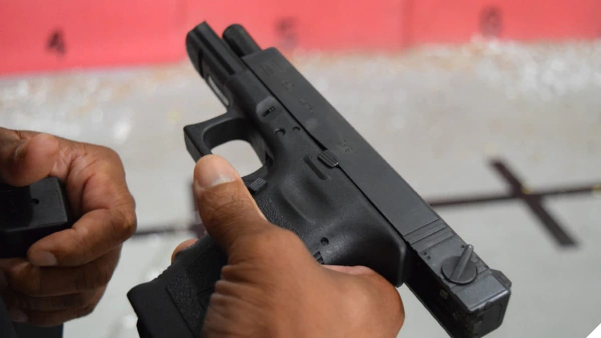 Rare Full-Auto Glock: The Factory Select-Fire...