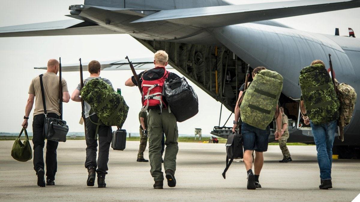 Danish Sirius patrol members head back home