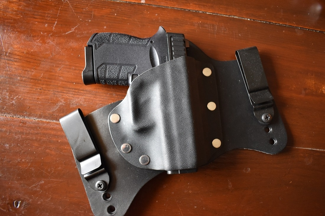 Diamondback DB9 Gen 4 in Foxx holster IWB