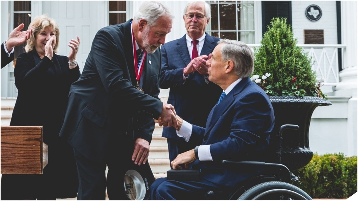 Texas Governor Presents Medal of Courage to Jack Wilson