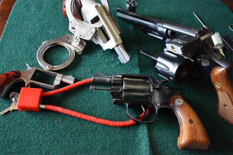 Locked revolver